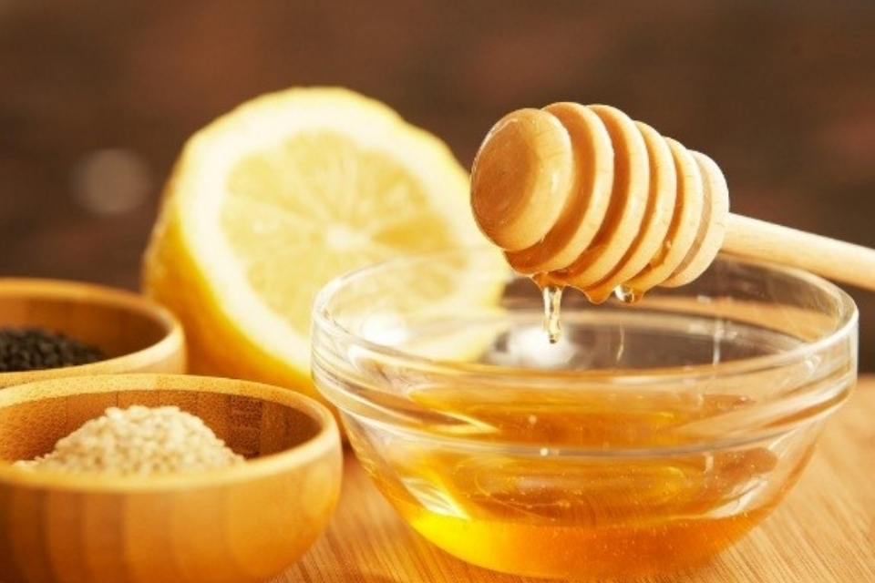 Pure Honey for Face after Holi